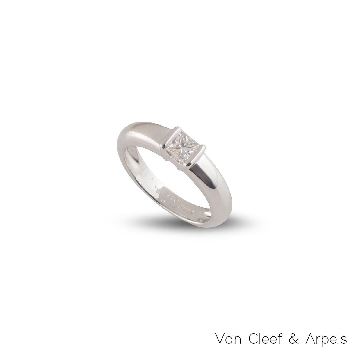 Van Cleef & Arpels White Gold Diamond Ring 0.24ct E/VVS+
